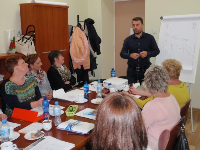 https://pcpr.powiat.rzeszowski.pl/aktualnosci/szkolenie-dotyczace-tematyki-wypalenia-zawodowego/attachment/uczestnicy-szkolenia-wraz-z-prowadzacym/