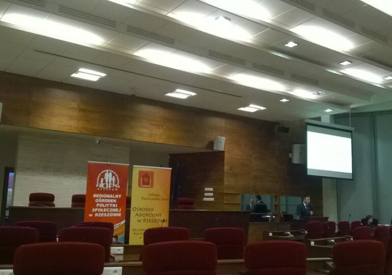 """Konferencja """"Adopcja – Rodzicielstwo Serca"""""""
