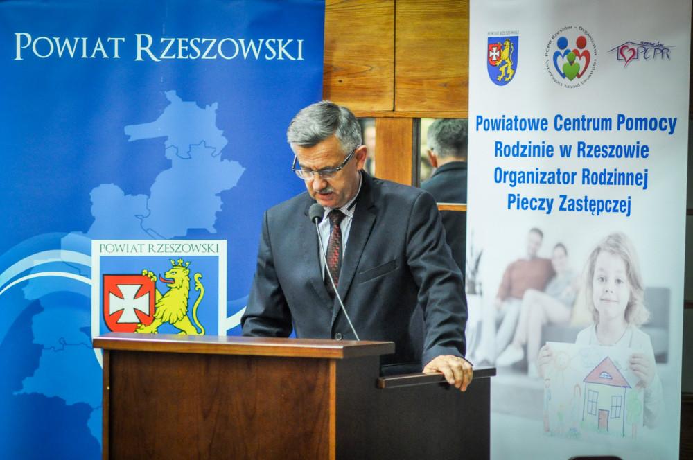https://pcpr.powiat.rzeszowski.pl/aktualnosci/poznac-zrozumiec-wychowac-dziecko-w-pieczy-zastepczej/attachment/dsc-0043_11-jpg/
